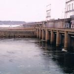 Prace hydroizolacyjne w elektrowni wodnej